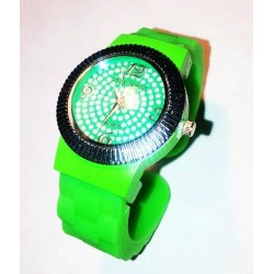 Montre aiguilles Quartz bracelet rigide silicone vert strass femme